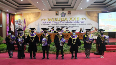 356 Wisudawan STP Mataram, SDM Pariwisata Siap Kerja