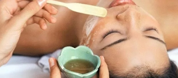 cuci wajah dengan minyak zaitun
