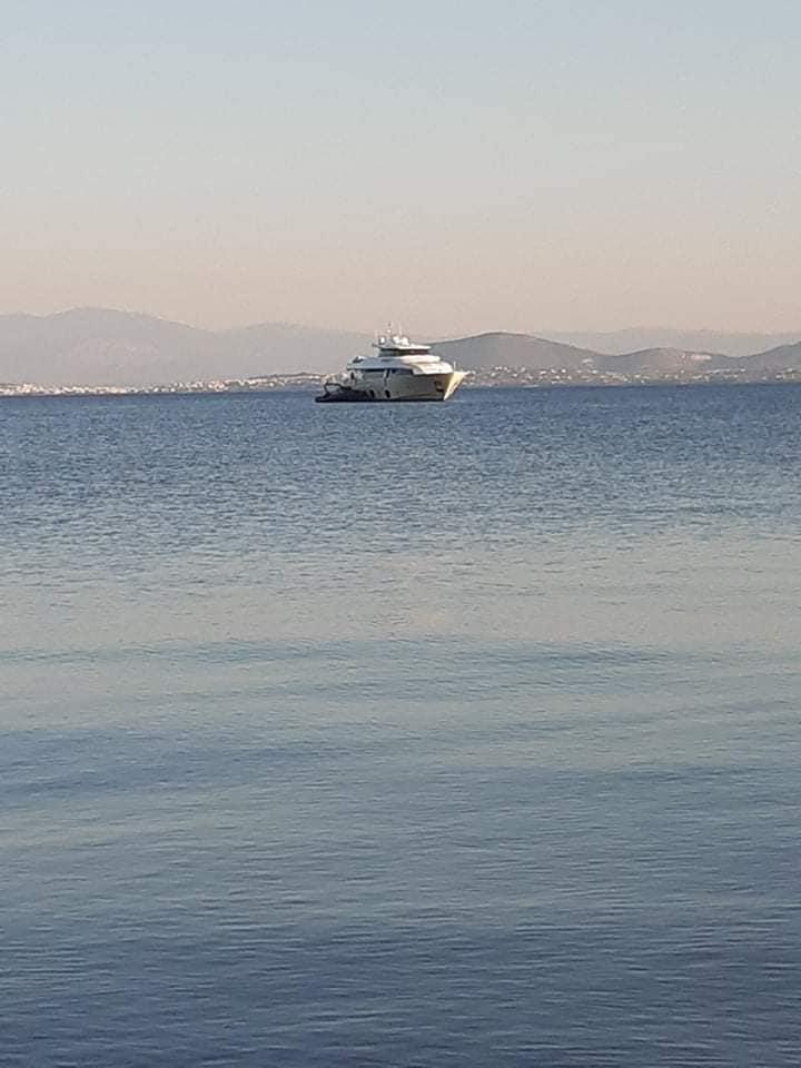 Στην Εύβοια για διακοπές ο Τούρκος πρόεδρος της Γαλατά και η Ελληνίδα σύζυγός του