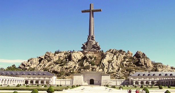 El Gobierno clausura el Valle de los Caídos para proceder a la exhumación de Franco