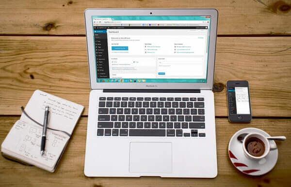 دليل المبتدئين في كيفية بناء موقع ووردبريس مجاني