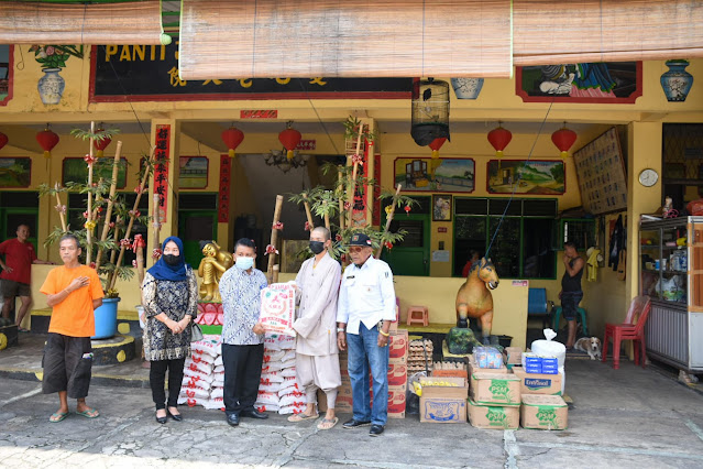 Dinsos Kota Tebingtinggi Serahkan Bantuan ke Panti Asuhan dan Panti Jompo