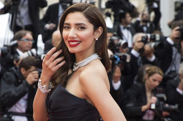 Mahira Khan Looks Stunning in Black Dress At 'BlacKkKlansman' Premiere During 71st Cannes Film Festival 2018