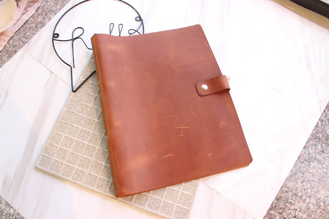 danitruno review, danitruno etsy, danitruno leather, danitruno blog review, danitruno leather cardholder, danitruno leather binder, leather ringbinder review, leather gift ideas, danitruno leather