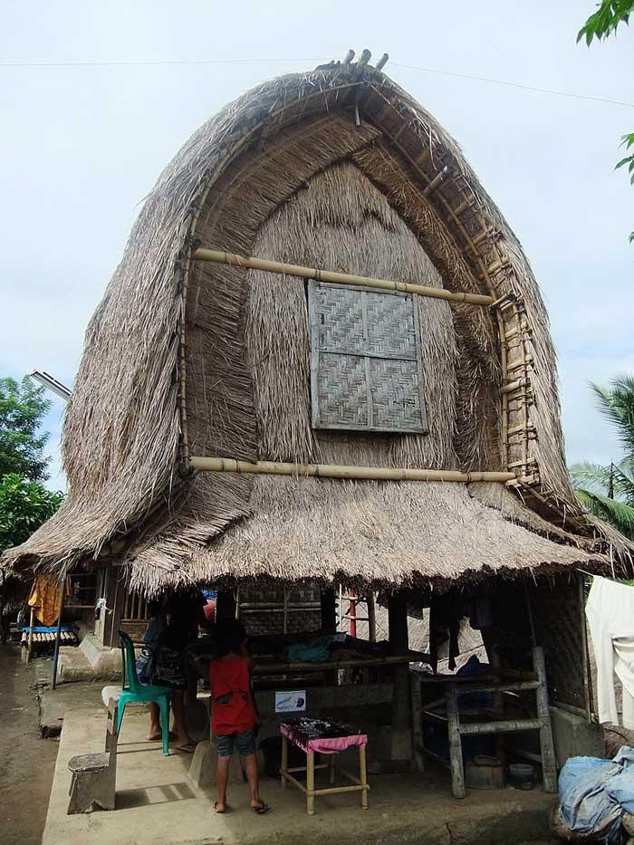 Fasilitas Wisata di Desa Adat Sade Village