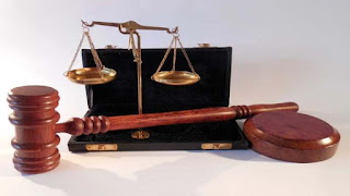 lembaga peradilan hukum