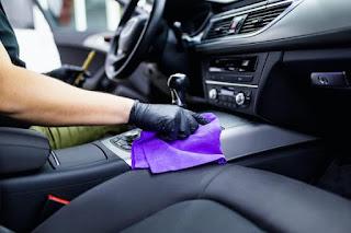 Dudas en el taller: ¿cuál es la mejor forma de higienizar y desinfectar un coche?