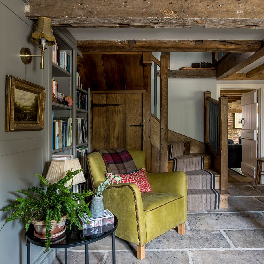 New Home Interior Design Traditional Hallway: LISMARY'S COTTAGE: Una Splendida Dimora Nel Derbyshire