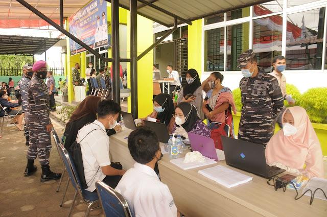 Pemko Bekerja Sama dengan Lantamal IV Tanjungpinang Gelar Vaksinasi Bagi Pelajar