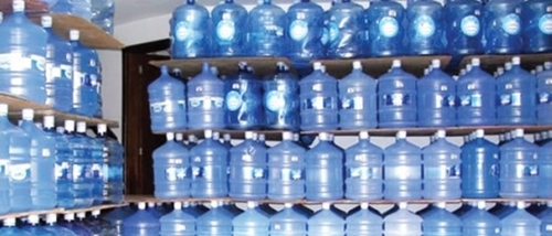 Consumo diário de água mineral traz prejuízo à saúde