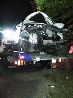 Yipeta impacta poste del tendido eléctrico carretera Cabral- Cachón y provoca apagón