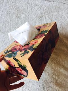 Pudełko na chusteczki decoupage