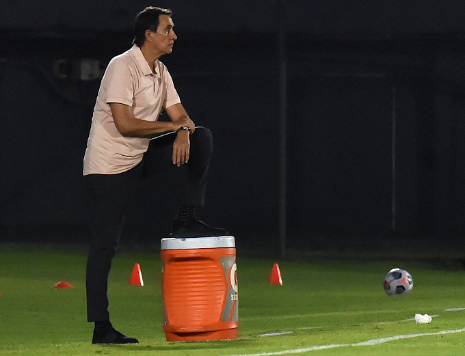 """Guimaraes y su balance de la victoria de Atlético Nacional en su visita a Guaraní: """"Nos faltan 90 minutos para jugarlos aplicados"""""""