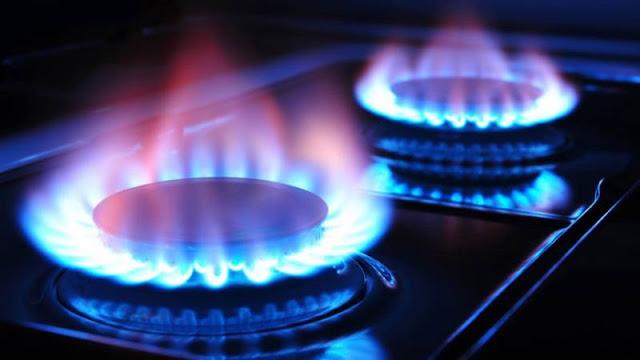 Μετά τις διαμαρτυρίες ο Χατζηδάκης επαναφέρει το φυσικό αέριο στην Περιφέρεια Πελοποννήσου