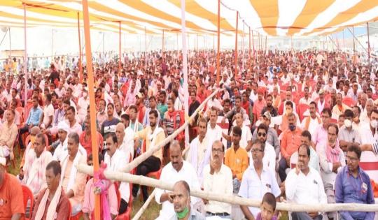 भाजपा प्रत्याशी लालबाबू प्रसाद और पवन जायसवाल ने भरा पर्चा, समर्थकों का उमड़ा जनसैलब