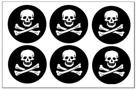Funny Pirates:  Free Printable Cupcake Wrappers and Toppers.