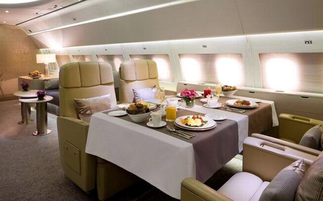 أغلي عشر تذاكر طيران في العالم طيران الإمارات - لوس أنجلوس إلى دبي