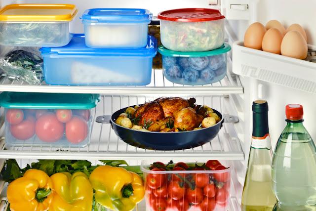 Чому небезпечно зберігати їжу в контейнерах