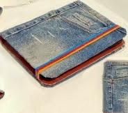 http://manualidades.facilisimo.com/blogs/ideas-diy/diy-funda-para-tablet-reciclando-unos-jeans-manualidades-faciles-con-reciclaje_1446773.html?aco=1itt&fba