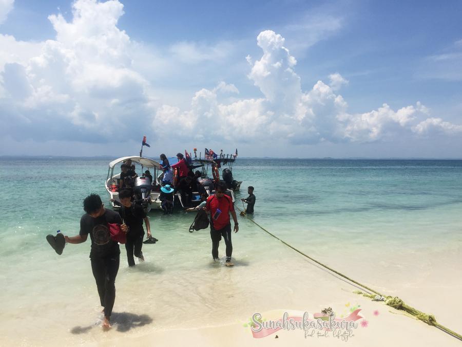Kena Landak Laut Masa Snorkeling di Pulau Tengah, Mersing, Johor