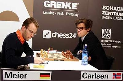 Ronde 5 du Grenke Chess Classic : après 4 nulles consécutives, le meilleur joueur d'échecs du monde Magnus Carlsen (2838) vient enfin seulement d'ouvrir son compteur de victoires face à l'Allemand Georg Meier (2630) - Photo © Georgios Souleidis