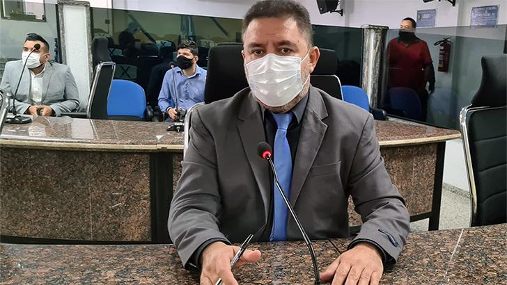 Mais de R$ 1,5 bilhão: Vereador Fogaça faz pronunciamento em defesa da transparência em processo de licitação do lixo