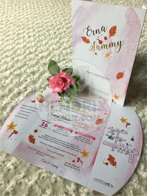 Contoh undangan pernikahan softcover erna dan sammy