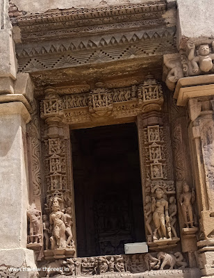 भगवान पार्श्वनाथ मंदिर खजुराहो - Parshwanath Temple Khajuraho