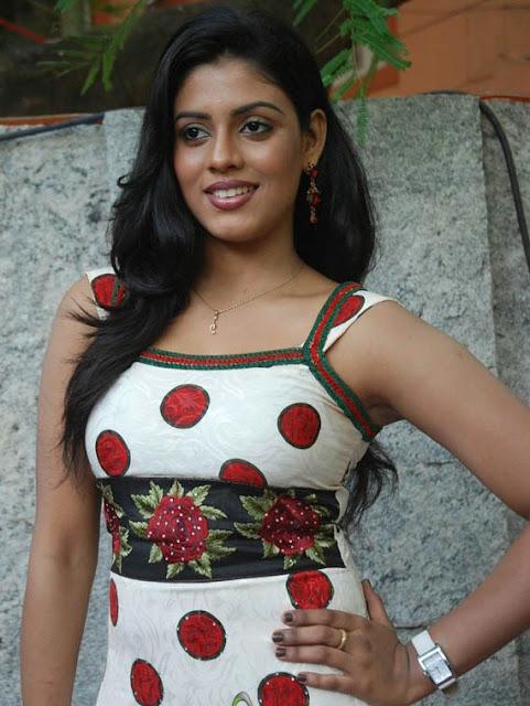 Iniya hot Malayalam actress