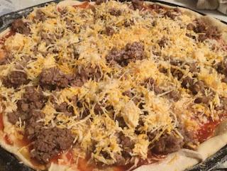 DIY, frugal living, homemade pizza, how to make pizza dough, how to make pizza sauce, pizza dough, pizza recipe