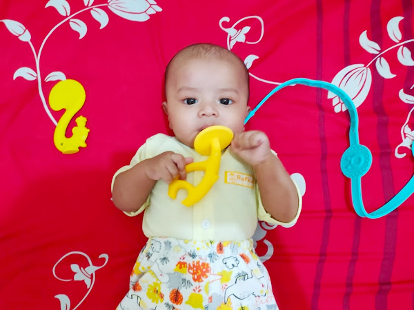 Perkembangan Bayi Usia Tiga Bulan