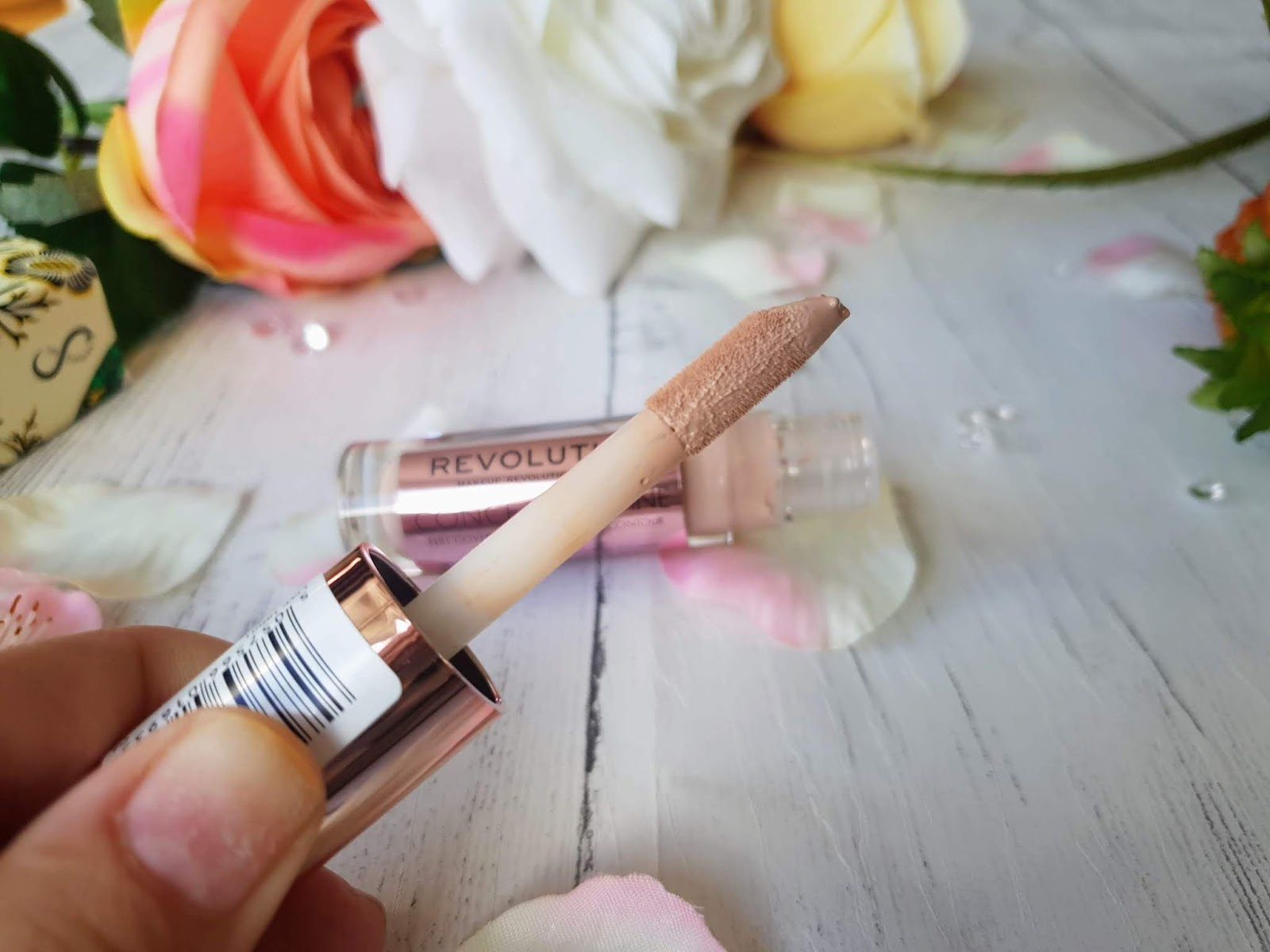 makeup revolution conceal and define concealer review