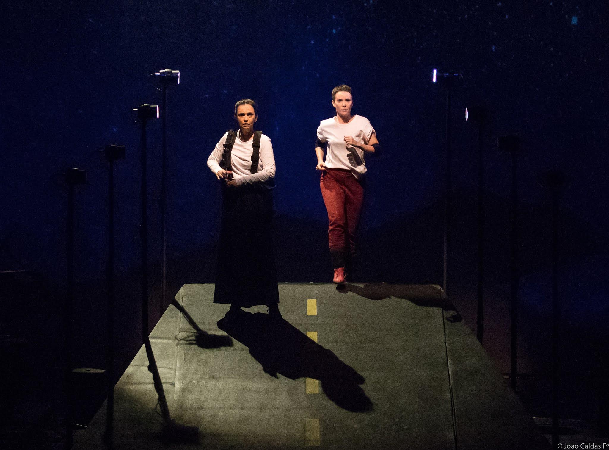 Débora Falabella, Gabriel Fontes Paiva e Yara de Novaes celebram 15 anos do Grupo 3  na Mostra de Teatro de Ipatinga