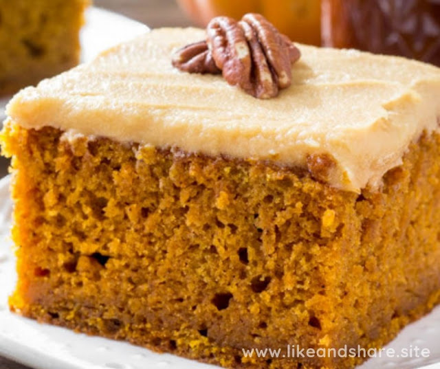 PUMPKIN CAKE WITH CARAMEL CREAM RECIPE