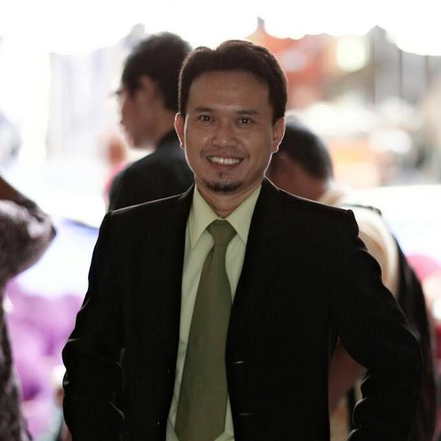 Hobby Musik Hingga Menjadi Guru Bahasa Inggris - thesagescontemplations.blogspot.com