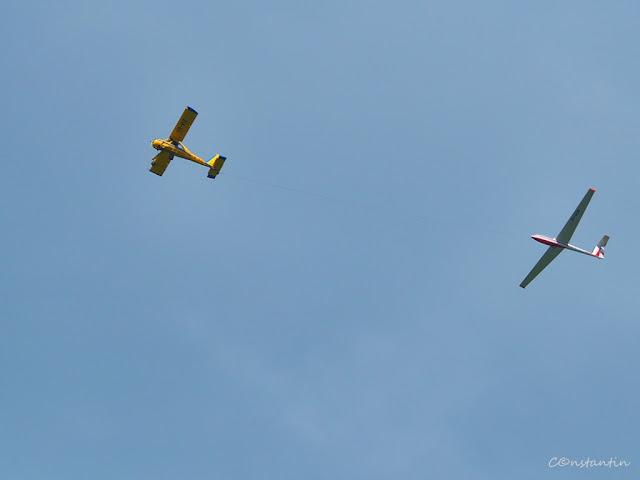 Avioane - Spatiul negativ sub avion si planor - este mai bine sugerat zborul (înãltarea) - blog FOTO-IDEEA