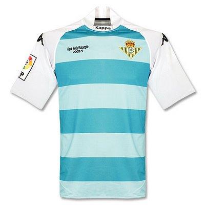 ec5ffca74d441 Otra camiseta marcada por un descenso. Diseñada para homenajear al equipo  de baloncesto de San Sebastián (actual Lagun Aro)