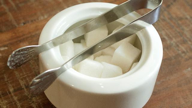 perigos do açúcar para o intestino