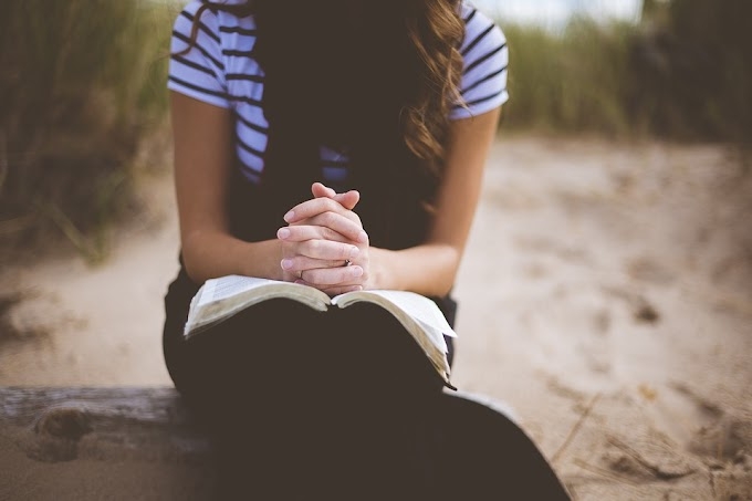Salahkah Perempuan Jika Mempertanyakan Imannya?