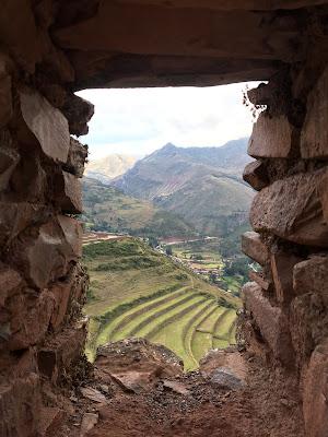vista de las terrazas de pisac desde las ruinas