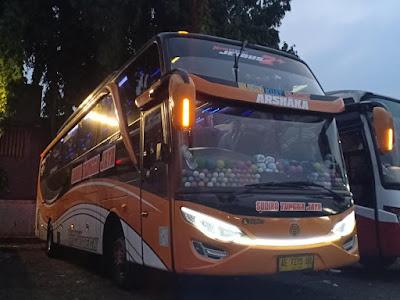 Foto Bus Sudiro Tungga Jaya Arshaka