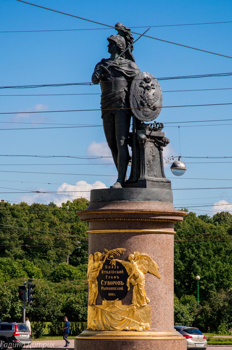 Памятник Суворову у Троицкого моста фото