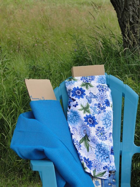 provencal blue burlap fabric at the Camellia.com