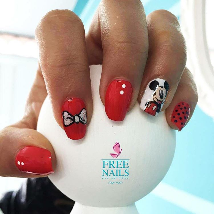 Mickey mouse nails!!!