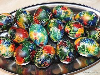 Oua vopsite reteta pentru Paști ouă fierte colorate curcubeu rosu galben verde albastru retete aperitive mancare inviere Paște,