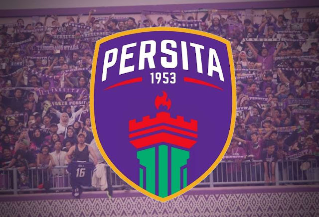 """Pendukung setia Persita """"Viola"""" dan Logo Persita tangerang yang baru"""