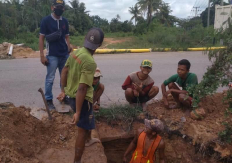 Aktivitas Berkumpul, Pemko Dumai Diminta Tindak Tegas Dua PT Pekerja Jargas Asal Jawa
