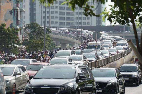 Ùn tắc giao thông khu vực trung tâm TP.HCM ngày càng căng thẳng'