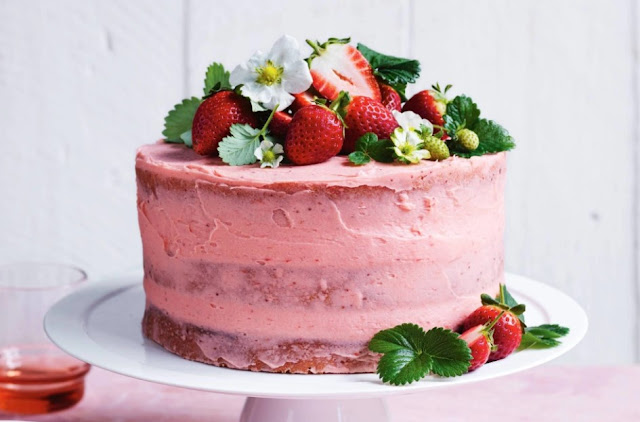 5 Easy Strawberry Cake Filling Ideas