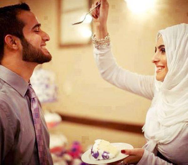 Muslimah, Ingin Mendapatkan Perhatian Dari Sang Suami, Lakukan Hal Ini